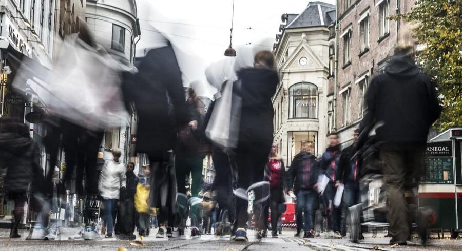 Arkivfoto af mennesker på Strøget i København