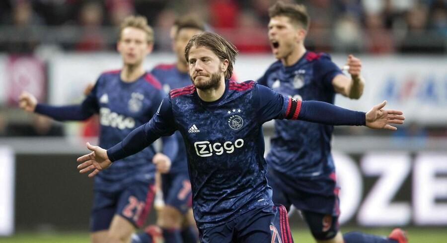 Lasse Schöne var igen på pletten for Ajax, der hentede tre vigtige point ude mod AZ Alkmaar./ AFP PHOTO / ANP / Olaf KRAAK / Netherlands OUT