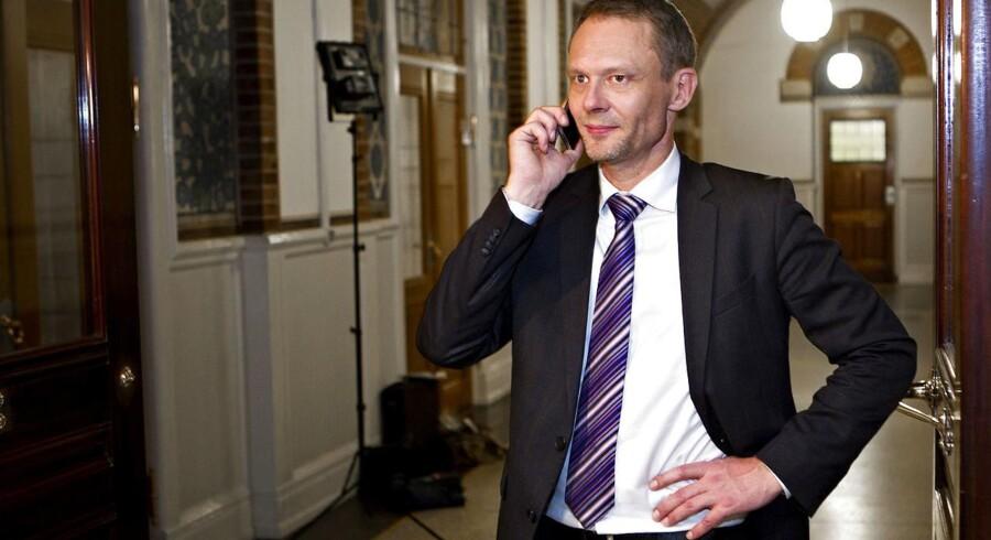 Carl Christian Ebbesen står til at modtage en halv million kroner i eftervederlag.