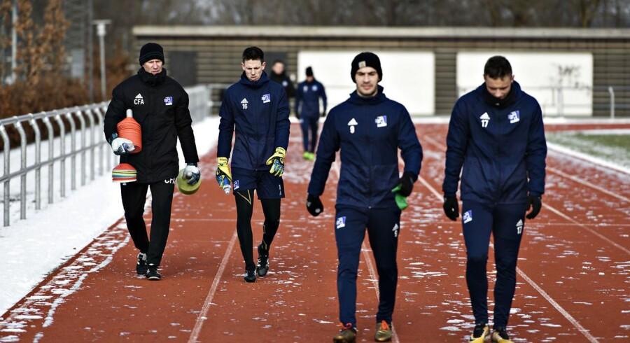 Fodboldklubben Lyngby meddeler, at spillerne Mikkel Rygaard, Bror Blume, Casper Højer Nielsen og Simon Strand er blevet fritstillet med øjeblikkelig virkning.