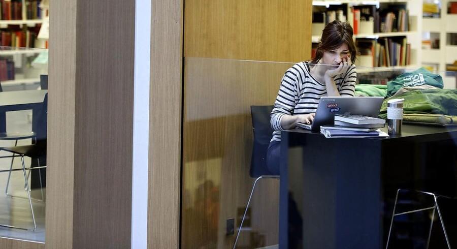 Bibliotekerne er blevet en hellig ko, mener tænketanken Cepos, der er overrasket over reaktionerne på deres udmelding om, at de gode folkebiblioteker kan være med til at holde arbejdsudbuddet nede. Arkivfoto