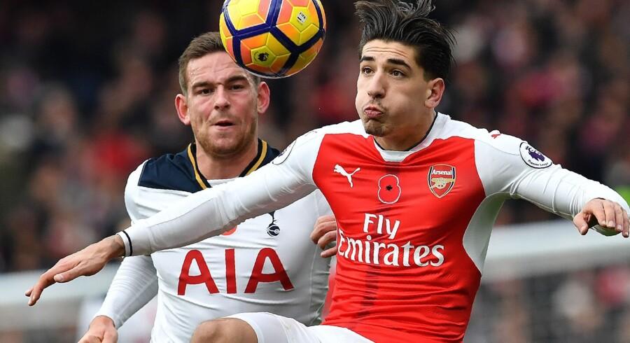 Héctor Bellerín er ikke med, når Arsenal møder Manchester United. Scanpix/Ben Stansall