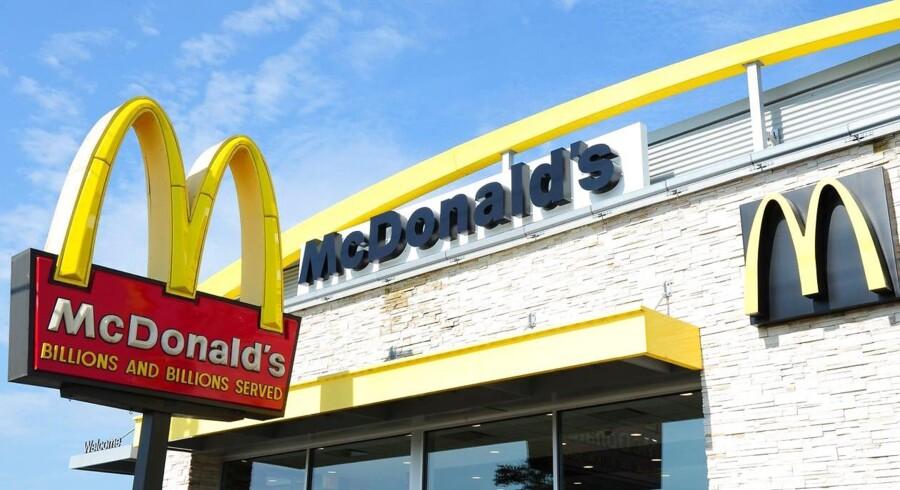 Arkivfoto. Burgergiganten McDonald's overraskede svagt positivt i fjerde kvartal på omsætning, resultat og vækst.