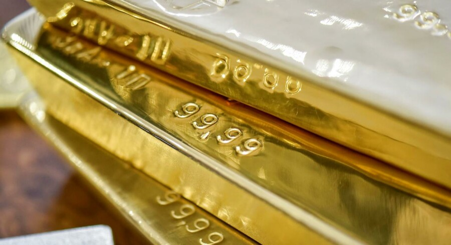 De sikre havne drejer sig i høj grad om guld samt statobligationer og valuta fra de sikre lande.