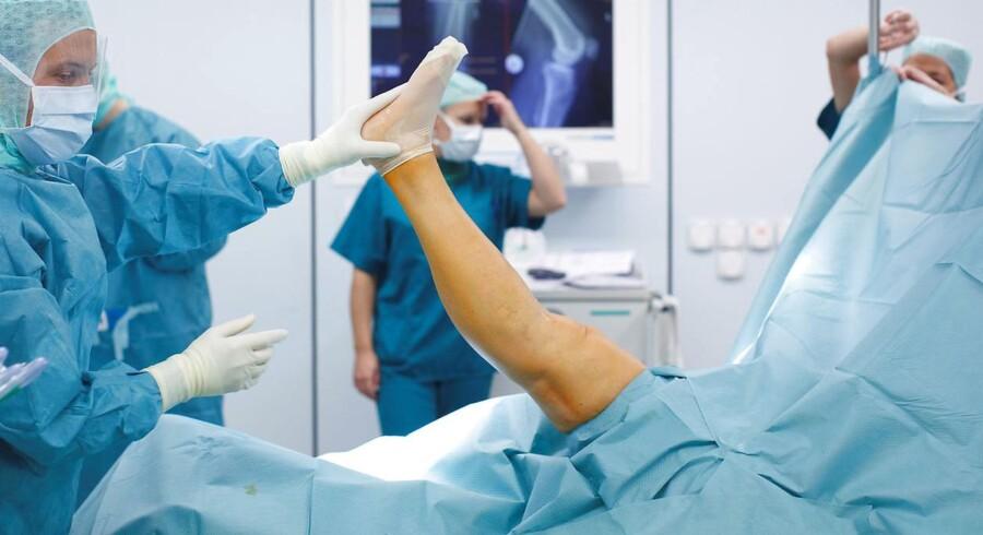Sundhedsordførere kræver handling for at sikre, at danske sygehuse i større udstrækning får penge for at behandle udlændinge.