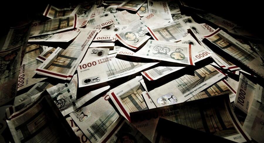- Lav inflation betyder, at lønstigningerne rækker længere, også selv om 2 pct. ikke i sig selv lyder prangende. Den højere realløn giver dermed grobund for stigende forbrug og vækst herhjemme, konstaterer privatøkonom i Danske Bank Louise Aggerstrøm Hansen.
