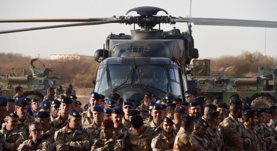 Frankrig sendte soldater til Mali i 2013, da islamister indtog store områder i det nordlige Mali. Der er fortsat 4000 franske soldater i Mali og det øvrige Sahel. (Arkivfoto) Scanpix/Dominique Faget