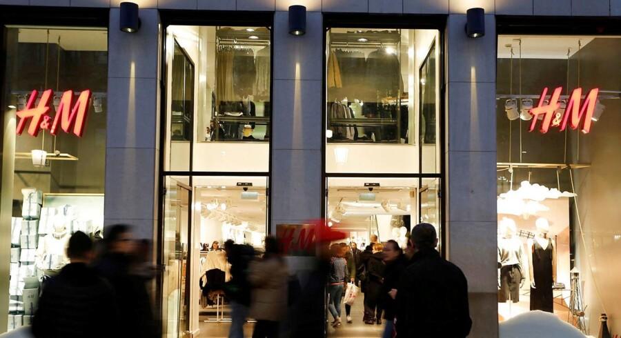 H&M har 34 butikker i Grækenland og er en af de få tøjkæder, der kører godt i landet. her en filial i Barcelona, Spanien.