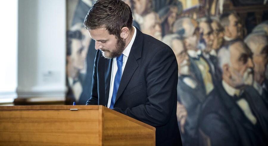 »Vi er i udgangspunktet meget overraskede over den redegørelse, vi har fået fra regeringen,« siger ældreordfører Jeppe Jakobsen (DF) i en pressemeddelelse.