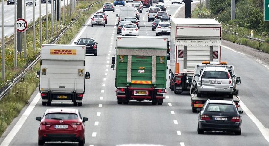 Arkivfoto: Antallet af lastbiler, der ruller ind i Danmark, ligger rekordhøjt og befinder sig på det højeste niveau siden tællingerne startede i 2003. Det skriver Fagbladet 3F.