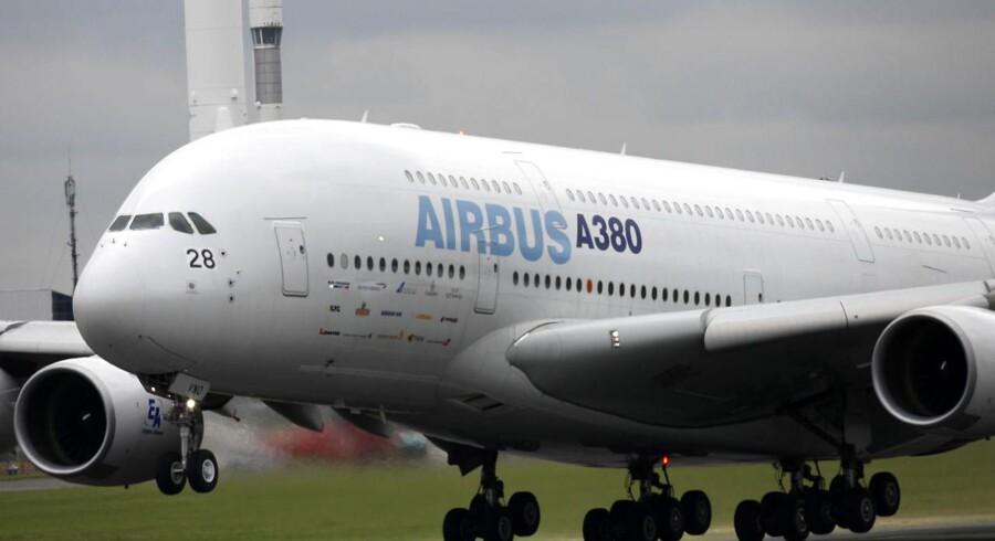 Arkivfoto: Et Airbus A380-fly skabte så meget turbulens tidligere på året, at et forretningsfly måtte nødlande.