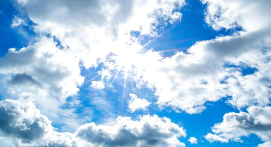 Når man ser på temperaturer, vil weekendvejret blive godkendt, men skyer og regn mudrer billedet, oplyser DMI.