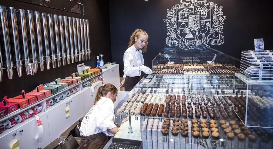 En af de danske iværksættere, der er lykkedes med at skabe arbejdspladser, er Peter Beier. I sit chokoladeimperium slog han for nyligt dørene op til en ny butik ved Axel Towers.