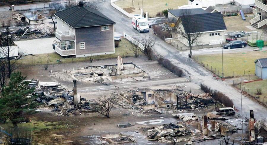Lærdal, Norge, søndag 19. januar 2014. Mange huse er brændt ned til grunden.