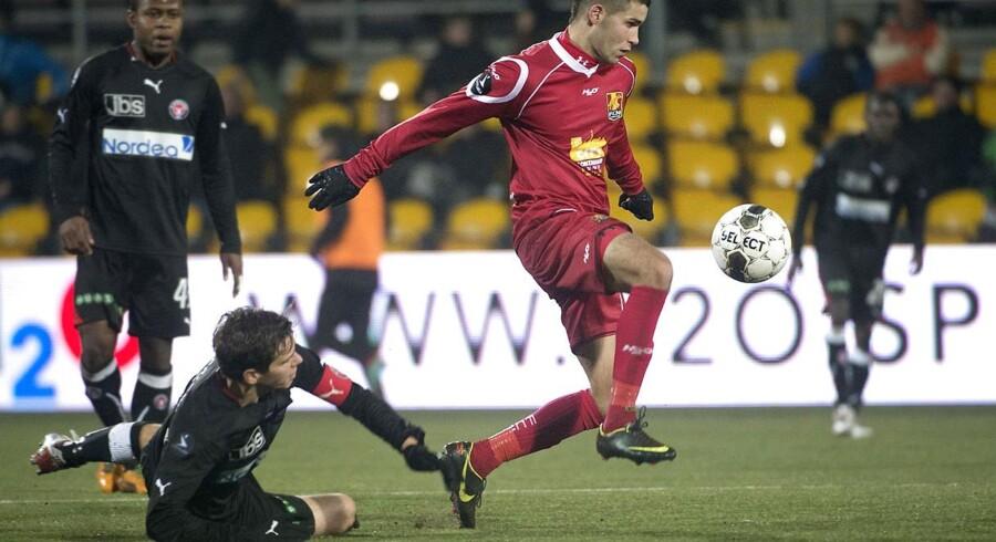 FC Nordsjælland har solgt Oguzhan Aynaoglu (th) til Bursaspor.