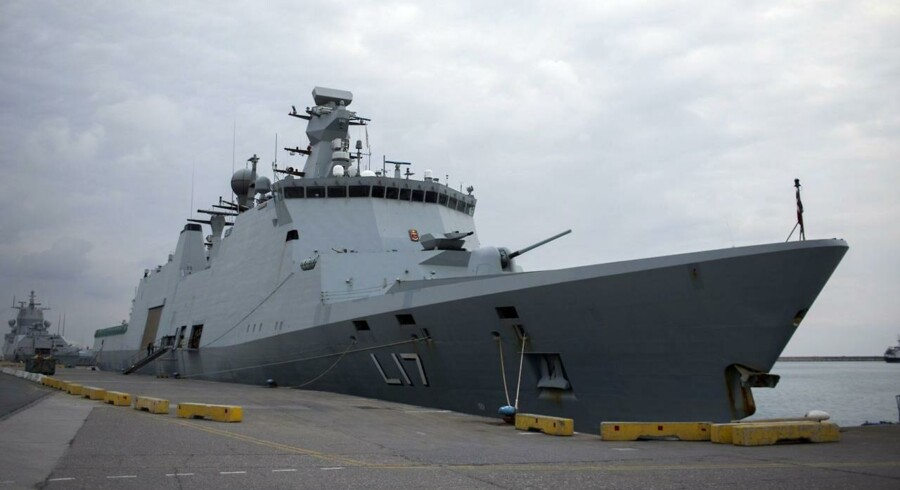 HDMS Esbern Snare ligger til kaj i Limassol på Cypern den 2. januar 2014, hvor det har ventet på at komme til Syrien.