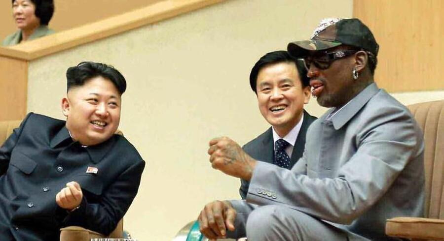 Den tidligere basketballstjerne og nær ven af Nordkoreas leder Kim Jung-un, Dennis Rodman, undskylder en udtalelse om, at en amerikaner, som er idømt 15 år i en nordkoreansk arbejdslejr, havde fortjent sin straf.