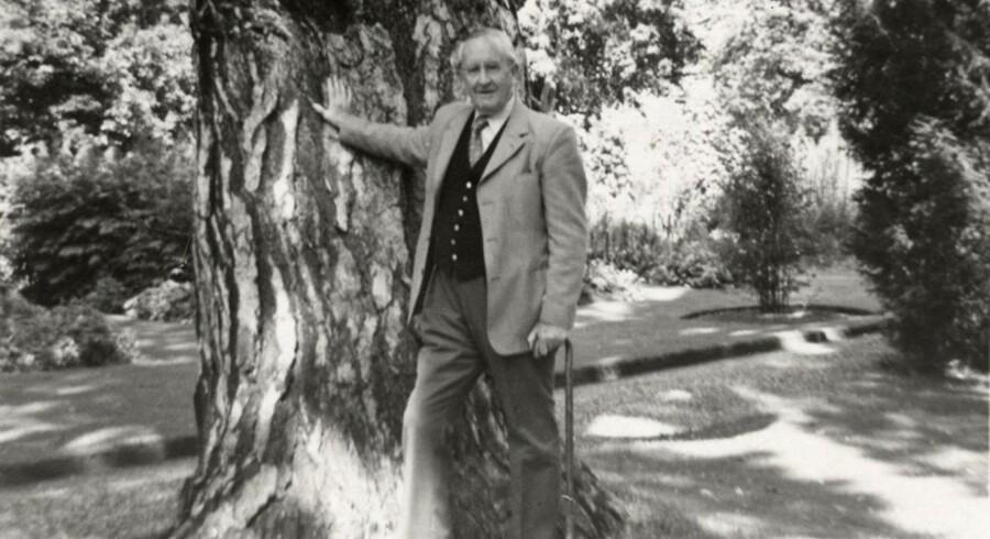 J.R.R. Tolkiens liv skal nu filmatiseres.