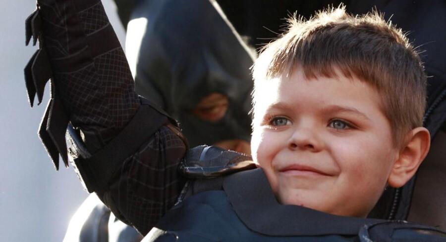Femårige Miles Scott, der lider af leukæmi, fik sit største ønske opfyldt, da San Francisco fredag blev omdannet til Gotham til ære for dem Batman-elskende dreng.