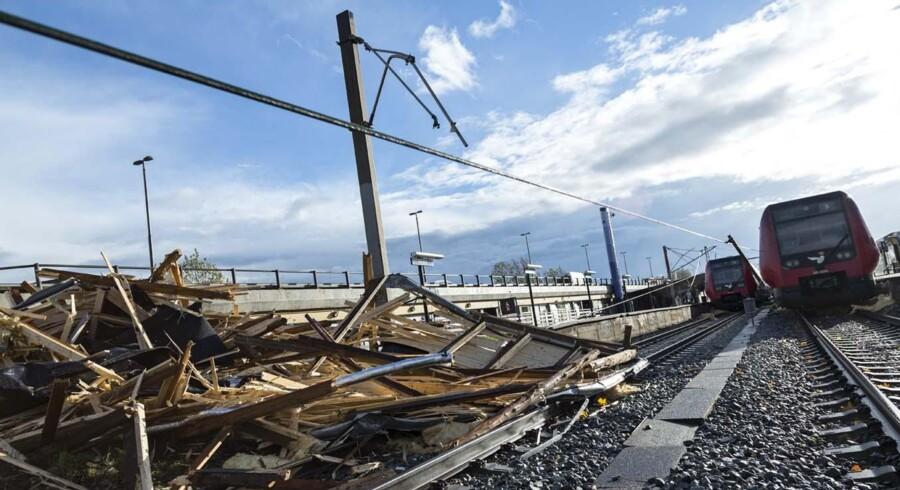Sådan så der ud i Lyngby efter stormen. Nu er der ved at være ryddet op.