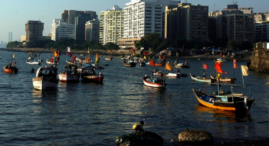 Terroristerne, der mejede mindst 179 mennesker ned i Mumbai, kom sejlende til byen.