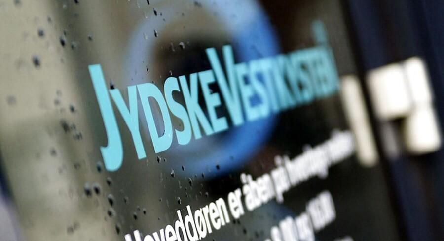 En retssag ved Retten i Haderslev tog ifølge bt.dk kort før middag en overraskende drejning, da et tidligere byrådsmedlem gik til angreb på en journalist fra JydskeVestkysten.