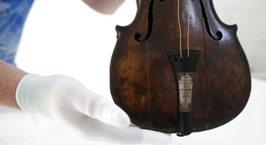 Wallace Hartleys violin.