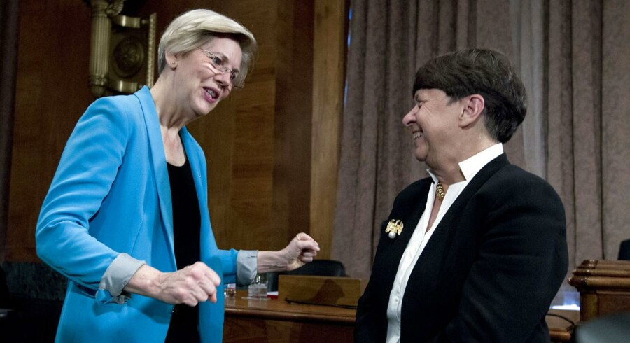 Alt skal det være kedeligt og sikkert, så derfor valgte de amerikanske myndigheder at sætte Elizabeth Warren (tv.) og Mary Jo White (th.) i spidsen på de rette poster. Foto: Jose Luis Magana/Reuters