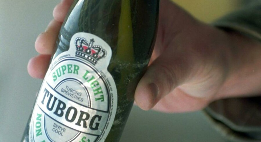 ARKIVFOTO. I dag må der maksimalt være 0,1 procent alkohol i alkoholfri øl i Danmark, men det vil Bryggeriforeningen gerne have lavet om, så alkoholfrie øl må have op til 0,5 procent alkohol i sig: