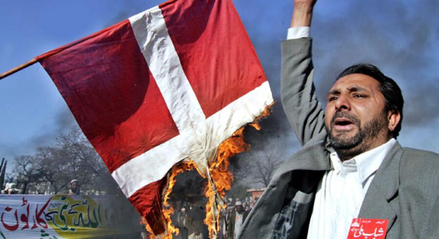 Ytringsfrihed på spil. Her en pakistansk reaktion på de danske Muhammed-tegninger i 2006.