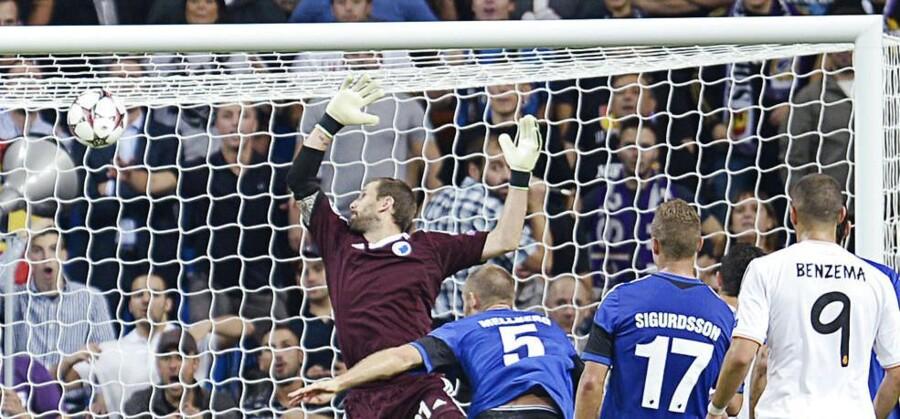 Her ses Real Madrids scoring til 3-0 i opgøret mod FCK, der endte 4-0 til de spanske værter