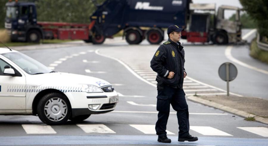 De fem personer, der foreløbig er blevet anholdt for et af danmarkshistoriens største røverier, blev i går fremstillet i retten.