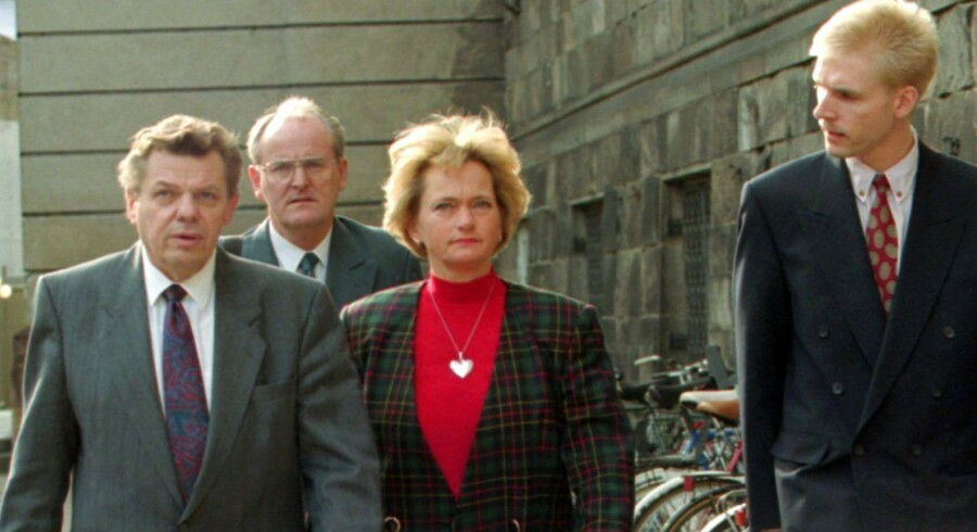 Fra venstre Ole Donner, Poul Nødgaard, Pia Kjærsgaard og Kristian Thulesen Dahl, alle tidligere Fremskridtspartiet, på vej til at meddele dannelsen af det ny Dansk Folkeparti i 1995.