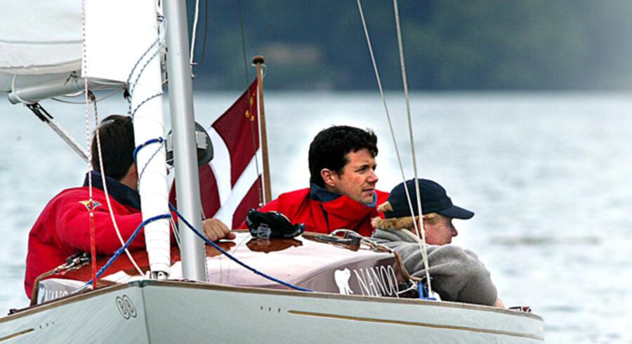 EM i dragesejlads i Schweiz. Kronprins Frederik deltog sammen med gasterne Kasper Harsberg og Theis Palm i Nanoq.