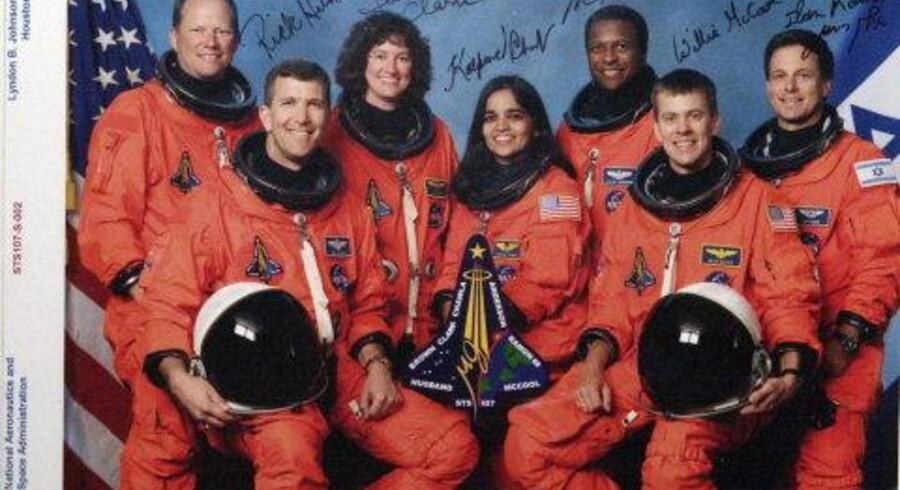 """Besætningen på """"Columbia"""", der forulykkede lørdag eftermiddag. Fra venstre: David Brown, Rick Husband, Laurel Clark, Kalpana Chawla, Michael Anderson, William McCool og Ilan Rramon. Foto: AP"""