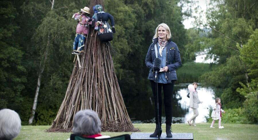 Statsminister Helle Thorning-Schmidt inviterede igen i år til Sankt Hans i Marienborg Have.