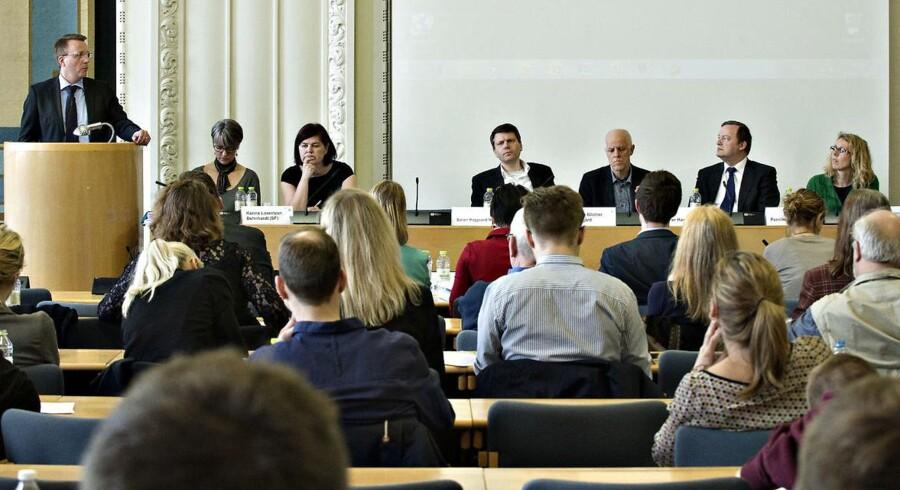 ARKIVFOTO af justitsminister Morten Bødskov (S), Karina Lorentzen Dehnhardt (SF), Søren Højgaard Mørup, Mogens Blicher Bjerregård, Per Hansen og Pernille Boye Koch.