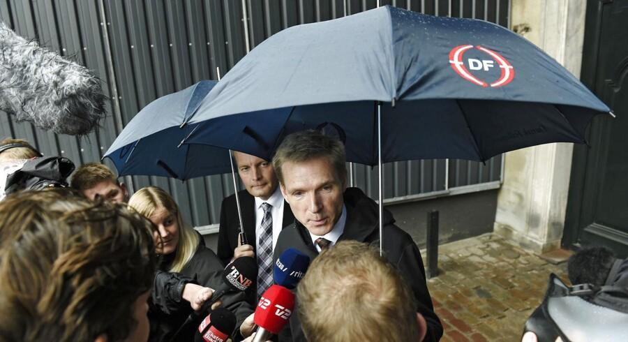Kristian Thulesen Dahl og co. oversteg meningsmålingernes forventninger med 21,1 procent af stemmerne til Folketingsvalget den 18. juni. Her ses de til dronningerunde ved Amalienborg den 22. juni.