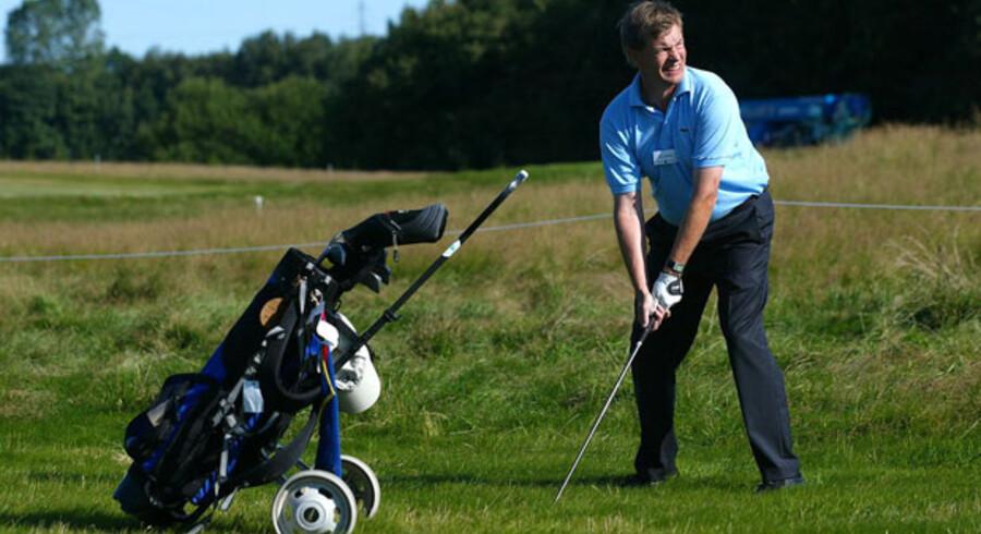 Tidligere erhvervsminister Bendt Bendtsen har blandt andet været på golfture på firmaers regning. Arkivfoto: Bax Lindhart