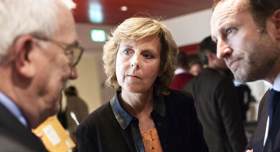 Den tidligere EU-kommissær og konservative minister Connie Hedegaard er fredag eftermiddag blevet kåret som Årets Europæer af den tværpolitiske organisation Den Danske Europabevægelse. Prisen er netop blevet overrakt til Connie Hedegaard i Berlingskes hovedsæde i København, hvor der også er paneldebat om EUs fremtid med en række tidligere og den nuværende udenrigsminister, Martin Lidegaard (R) billedet th. tv tidl udenrigsminister Uffe Ellemann-Jensen