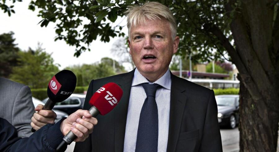 Skattesagskommissionens beretning indeholder flere kritikpunkter, især mod sagens centrale embedsmand, den hjemsendte departementschef Peter Loft.