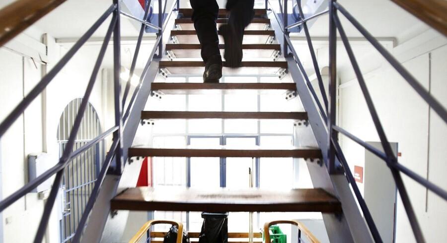 ARKIVFOTO. Regeringen vil registrere vold mod offentligt ansatte, såsom socialpædagoger og fængselsbetjente.