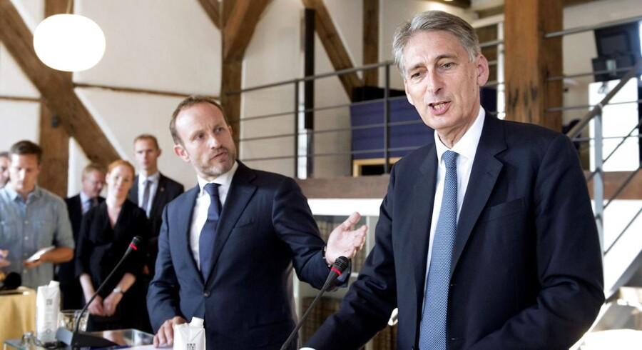 Det var på pressemødet i København torsdag, at den britiske ambassade angiveligt skulle have bedt om en afbrydelse af Folketingets direkte transmission.