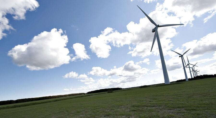 Sidste år indgik syv ud af otte partier i Folketinget et energiforlig, der lægger rammerne for den grønne omstilling frem til 2050. Men nu truer to af partierne - Dansk Folkeparti og de Konservative - med at forlade forliget, skriver Børsen.