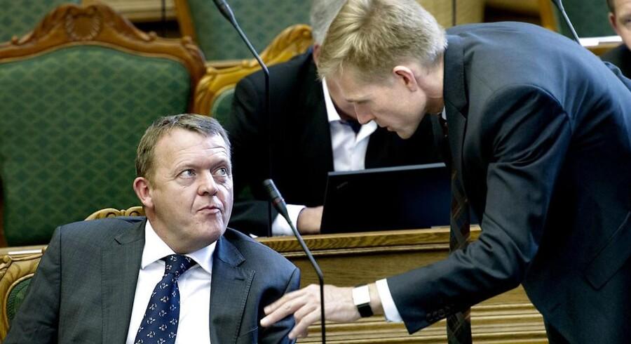 Lars Løkke Rasmussen må aflevere stemmer til DFs Kristian Thulesen Dahl ifølge ny undersøgelse.