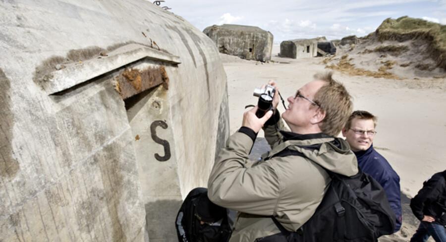 Bunkersekspert Tommy Cassøe var en af de første, der kæmpede sig vej ind i de nyopdukkede bunkers ved Ringkøbing.