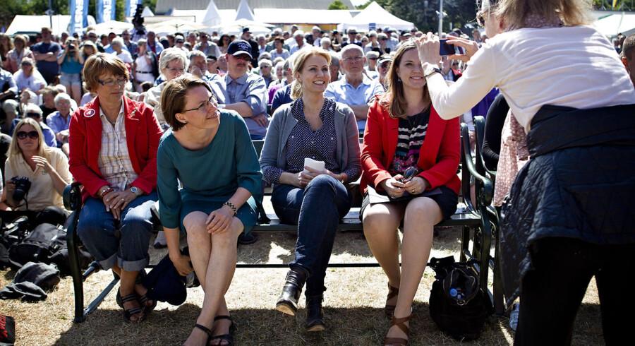 Eliten mødte folket på Folkemødet 2012 i Allinge på Bornholm. Men Christiansborgs indfødte havde Twitter for sig selv.