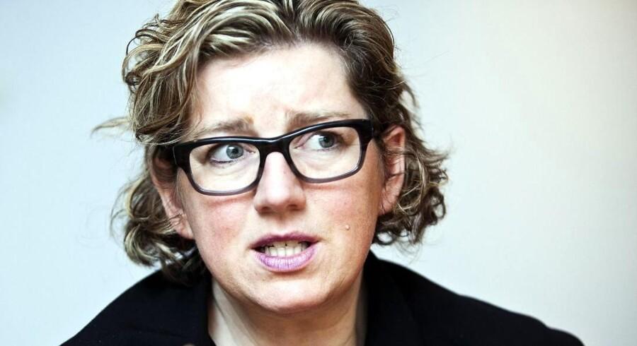 Charlotte Sahl-Madsen gik af som videnskabsminister og kom ikke i Folketinget. Hun får 1.151.555 kr. årligt i 18 måneder ubeskåret, da hun ikke modtager vederlag fra Folketinget.