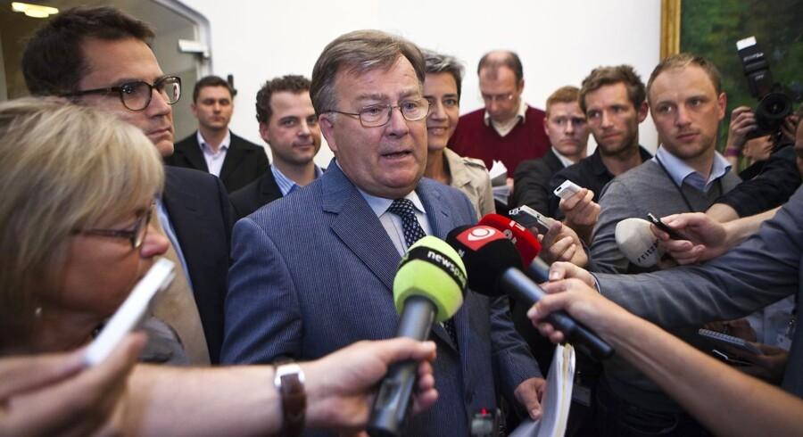 2020-forhandligerene afsluttet - Finansminister Claus Hjort Frederiksen taler med medierne efter at 2020-forhandlingerne blev afsluttet fredag aften den 13. maj. (Foto: Martin Sylvest Andersen/Scanpix 2011)