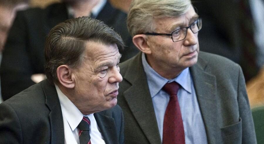 Dansk Folkepartis præstefætre, Langballe og Krarup, takker af fra Folketinget, når valget udskrives.